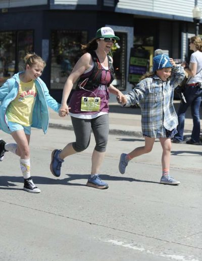 mom and kids running steamboat springs marathon